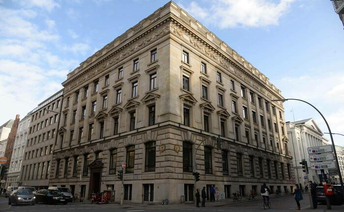 Zentrale der Hamburger Privatbank M. M. Warburg & CO in der Ferdinandstraße: Neue Steuerbescheide der Jahre 2007 bis 2009 bringen neue Cum-Ex-Probleme ins Haus.