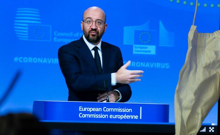 EU-Ratschef Charles Michel: Der EU-Gipfel hat ein Paket mit Kredithilfen von bis zu 540 Milliarden Euro für Kurzarbeiter, Unternehmen und verschuldete Staaten durchgewunken.