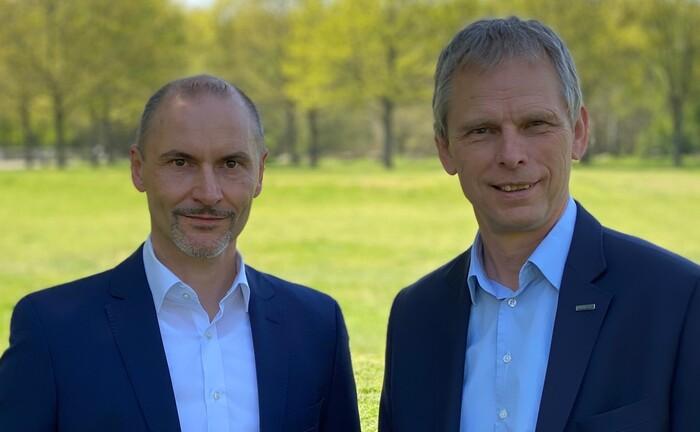 Michael Rabes (l.) und Hubertus Mund: Das Führungsduo leitet ab 1. Mai 2020 die Klinikrente. |© Klinikrente