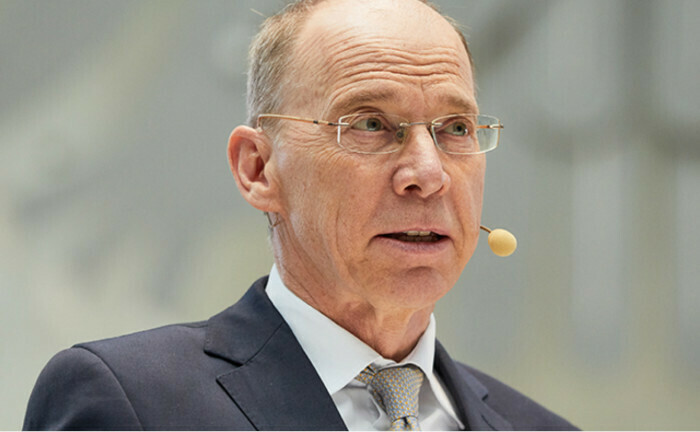 Das Bild zeigt Bafin-Exekutivdirektor Frank Grund auf der Jahreskonferenz der Versicherungsaufsicht: Die Aufsicht musste bisher drei Pensionskassen das Neugeschäft untersagen.