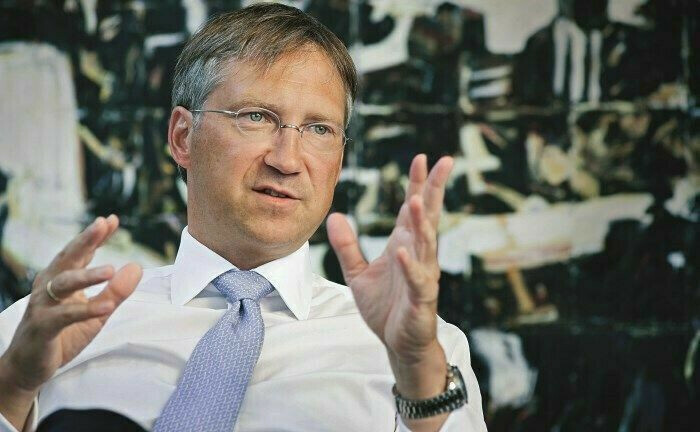 """Bert Flossbach, Gründer und Vorstand von Flossbach von Storch: """"Die Zeit nach der Corona-Krise wird die geringe Widerstandskraft vieler bislang als sicher verstandener Anlagen offenbaren."""""""