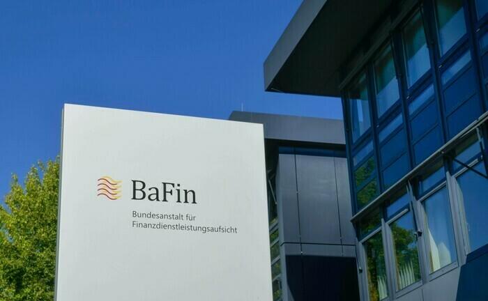 Bafin-Gebäude in Bonn: Nach Angaben der deutschen Finanzmarktaufsicht verzögert sich der geplante Umbau von Solvency II. |© imago images / Schöning