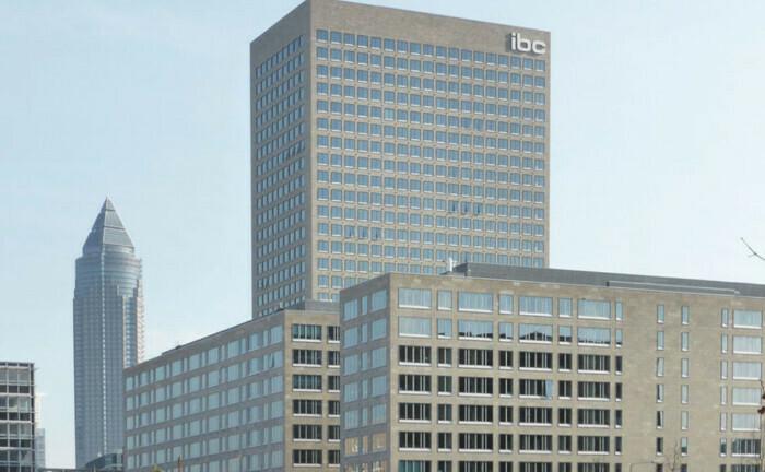 Hauptsitz von Universal-Investment in Frankfurt ist der IBC-Gebäudekomplett: Eine Spezialfondsanalyse der Frankfurter zeigt, dass Großanleger wieder mehr Bundesanleihen kaufen.
