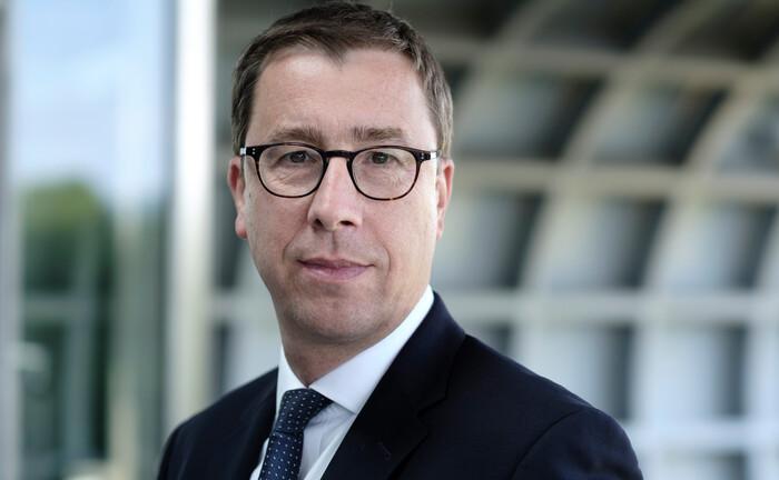 Benedikt Köster: Der Rentenspezialist der Deutschen Post DHL zieht in den Vorstand des Pensions-Sicherungsvereins ein.