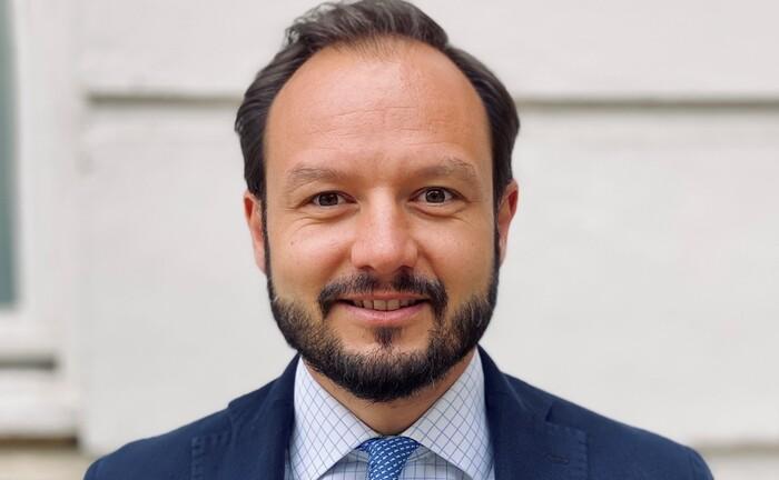 Tim Witthaus geht den Weg von Privatbank zum unabhängigen Vermögensverwalter.