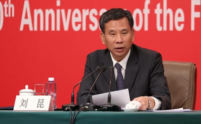 Chinas Finanzminister Liu Kun: Das Land gibt verstärkt Anleihen aus und macht sie Anlegern zugänglich.|© imago images / ZUMA Press / Shen Shi