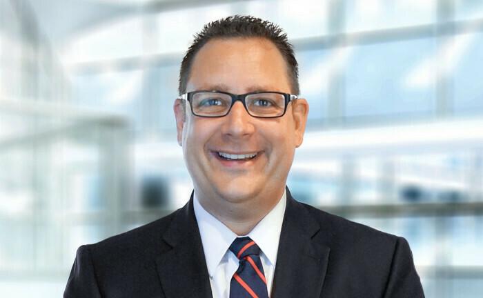 Sebastian Schäfer ist Leiter Wealth Management im Bereich EMEIA Financial Services Advisory von EY und berät Banken und Vermögensverwalter von der Prozessoptimierung bis zur grundlegenden Transformation.