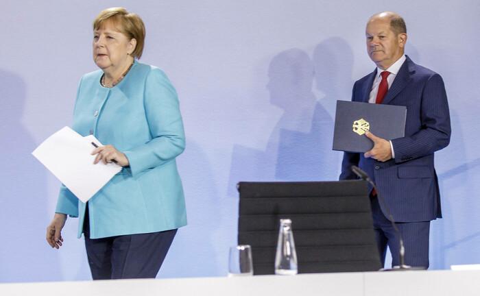 Bundeskanzlerin Angela Merkel und Bundesfinanzminister Olaf Scholz bei der Vorstellung des neuen Konjunkturprogramms (3. Juni): Haushaltsdisziplin hat angesichts des Ernsts der Lage derzeit keine Priorität.