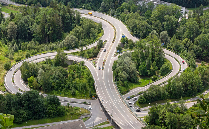 Der Weidachknoten der Rheintalautobahn A14 im Vorarlberg: Institutionelle Anleger erwarten stabile Erträge, wie sie zum Beispiel viel befahrene Mautstraßen abwerfen.