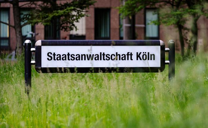 Eingang zur Staatsanwaltschaft Köln am Justizzentrum: Die Behörde erhöht die Schlagzahl der Ermittlungen rund um Cum-Ex-Geschäfte.