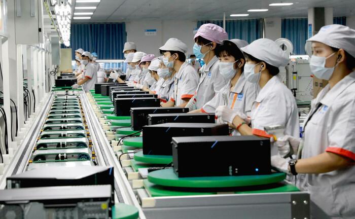 Computer-Produktion im chinesischen Guang: Die Wirtschaft in China erholt sich gerade von der Corona-Krise.|© imago images / VCG