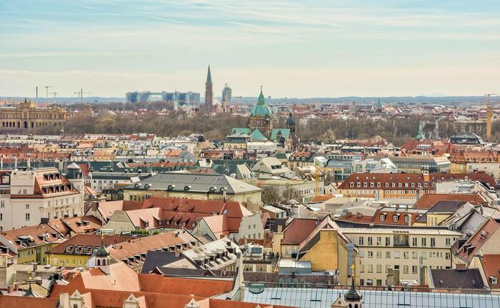 Skyline von München: Der auf institutionelle Kunden spezialisierte Asset Manager Cambridge Associates eröffnet in der bayrischen Landeshauptstadt seinen ersten Deutschland-Standort.