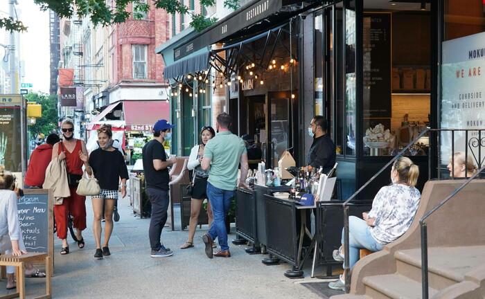 Restaurant in New York: Der Gastronomiebetrieb im Außenbereich ist bereits wieder möglich.