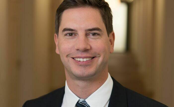 Der Generalbevollmächtigte der V-Bank: Florian Grenzebach