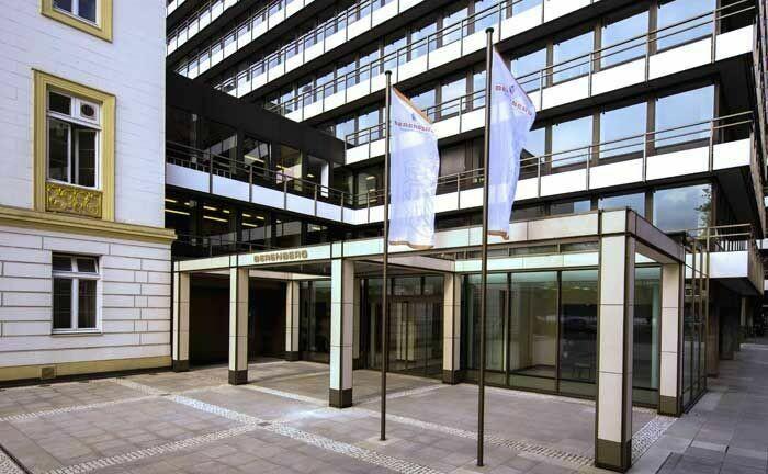 Stammhaus der Berenberg Bank in Hamburg: Das Institut scheint bei den Jahresüberschüssen auf dem richtigen Weg zu sein.