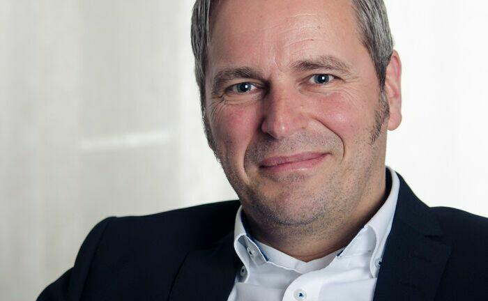 Armin Spöttl war gut ein Jahr in einer Doppelrolle Vorstand bei der Gecam sowie der Performance IMC. Nun sind beide Vermögensverwalter verschmolzen.