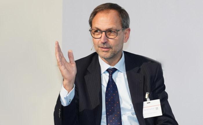 Bernd Franken ist Geschäftsführer für Kapitalanlagen der Nordrheinischen Ärzteversorgung. Im Interview spricht er über seine bevorzugten alternativen Anlagen und Erfahrungen aus der Corona-Krise.