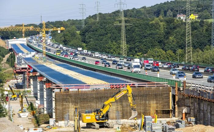 Neubau der Lennetalbrücke bei Hagen, Deutschland: Anders als hier wird die Infrastruktur nicht überall in Europa auf dem neuesten Stand gehalten.