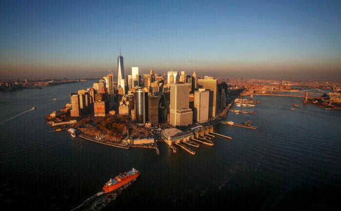 Ein Schiff steuert die Halbinsel Manhattan an: US-amerikanische Staatsaleihen sind bei Anlegern gefragt.