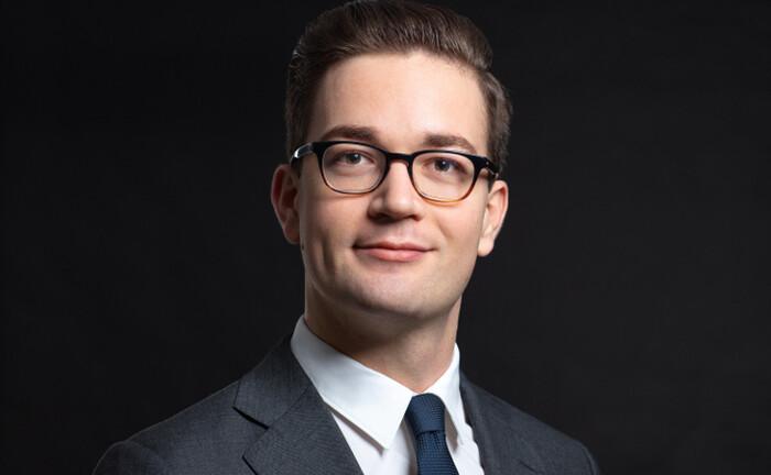 Weiß, was Institutionelle wollen: Moritz Jonas arbeitet seit 1. Juli 2020 für Schroders.