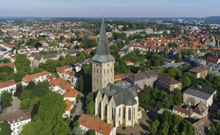 Blick auf die niedersächsische Großstadt Osnabrück: Die Osnabrücker Beteiligungsgesellschaft zwei.7 will will mit neuen Co-Investoren ihren operativen Radius erweitern.|© imago images / imagebroker