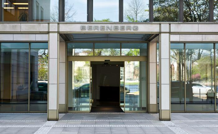 Berenberg Bank: Eingang am Standort Hamburg. |© imago images / teamwork