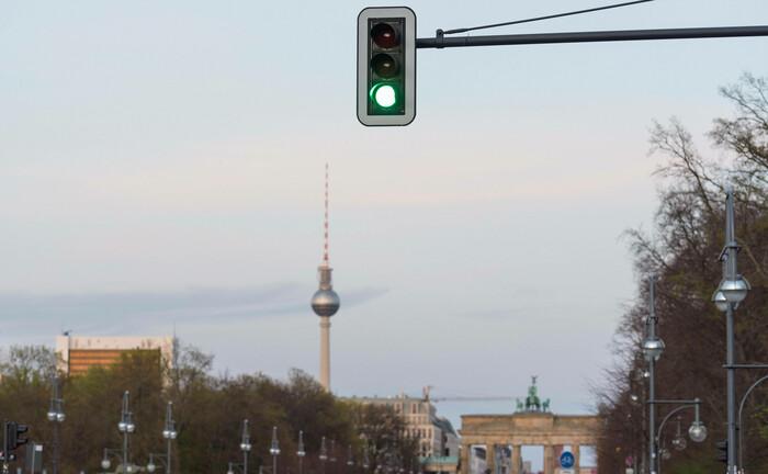"""Grüne Ampel in Berlin: Das neue Versorgungswerk """"Mobilitätsrente"""" hat in der Bundeshauptstadt seine Arbeit aufgenommen."""