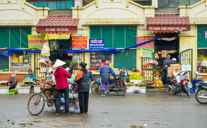 Straßenszene in der Altstadt von Hanoi: Die Kreditqualität von Schwellenländer-Anleihen hat sich im Laufe der Jahre erhöht; auch Vietnam dürfte relativ unbeschadet durch die Krise kommen.