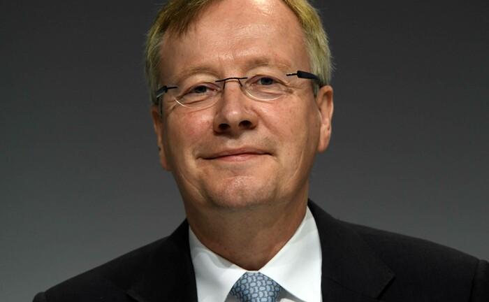 Michael Mandel auf der 2019er Hauptversammlung der Commerzbank: Der Privatkundenvorstand hat Medienberichten zufolge keinen guten Stand bei Investoren der Bank.
