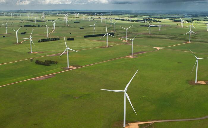 Windpark der dänischen Gesellschaft Vestas in der australischen Region Macarthur: Die Vestas-Aktie hat im Stoxx Europe 600 Paris-Aligned Benchmark das beste Nachhaltigkeits-Rating.