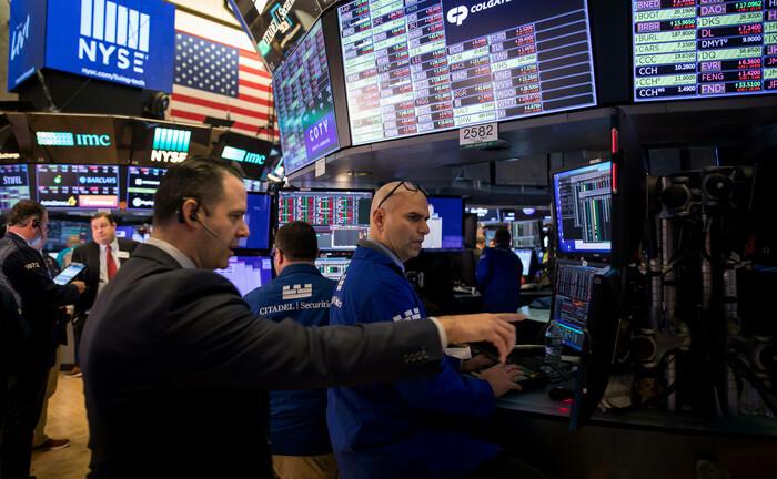 US-Börsenhändler: Eine neue Normalität – wie immer die auch im Detail aussehen wird – rückt zumindest näher und der Corona-Crash mit seinen desaströsen Zahlen jeden Monat weiter in die Vergangenheit.