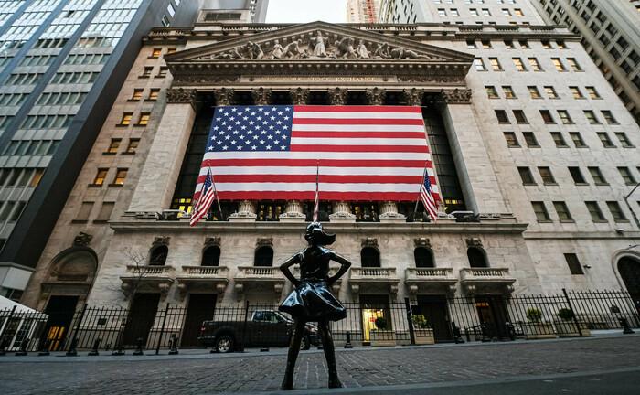 Börse in New York: Der US-Dollar ist ins Schleudern geraten. |© imago images / Bildbyran