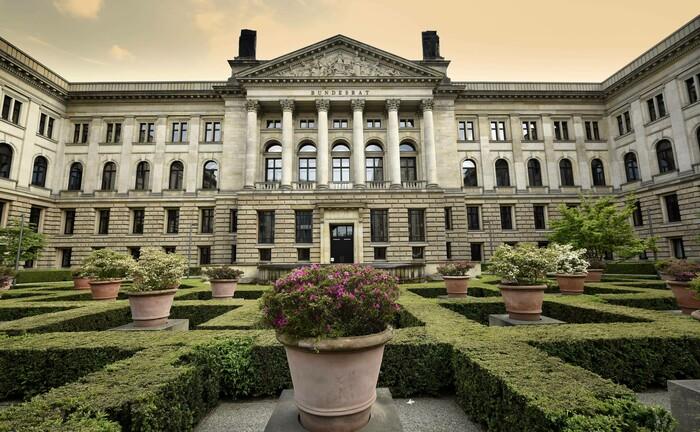 Das Preußische Herrenhaus in Berlin ist der Sitz des Deutschen Bundesrats: Die Landesregierung Baden-Württemberg hat eine Bundesratsinitiative zur Bekämpfung unzulässiger Kapitalanlagegenossenschaften beschlossen.