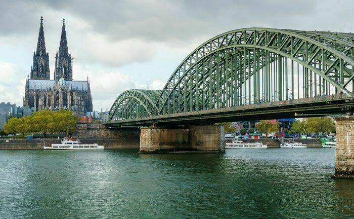 Rhein und Dom, die Wahrzeichen von Köln: Rödl & Partner sucht hier für den Geschäftsbereich Wealth, Reporting & Controlling weitere Kollegen|© Pixabay