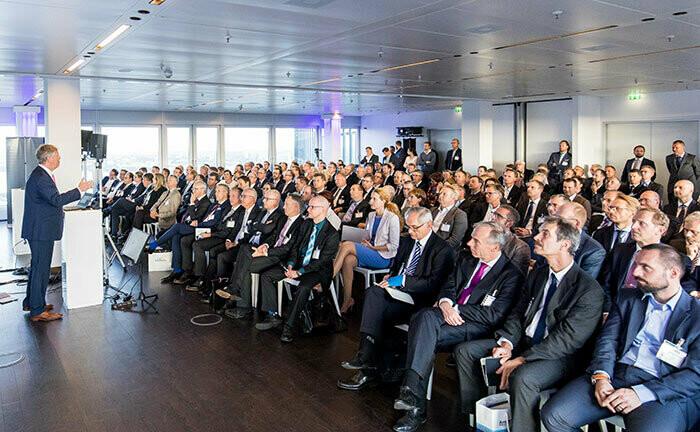 Philipp Vorndran von Flossbach von Storch bei seinem Vortrag auf dem letztjährigen private banking kongress in Hamburg: Auch 2020 wirft der Kapitalmarktstratege auf dem Private-Banking-Forum wieder einen Blick auf die aktuelle Lage an den Märkten.