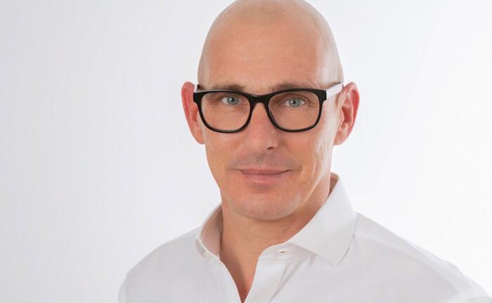 Philip Kalus ist Gründer und geschäftsführender Partner von Accelerando Associates: Die Beratungsgesellschaft berät Fondsgesellschaften weltweit zu allen Belangen des europäischen Fondsvertriebes.