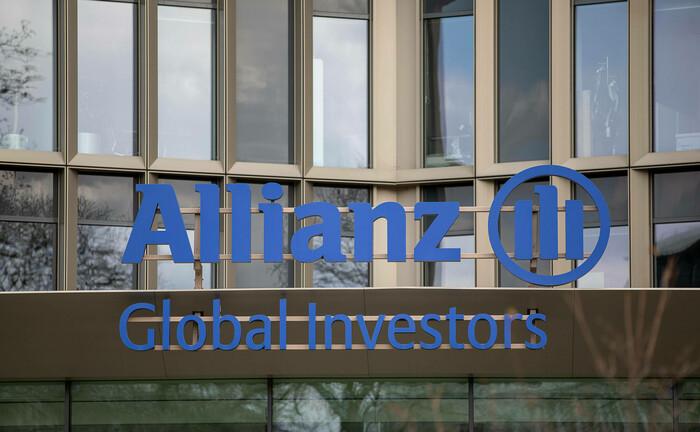 Eingang zu einem Bürohaus von AGI in Frankfurt: Der Allianz-Fondstochter drohen in den USA milliardenschwere Schadensersatzklagen.