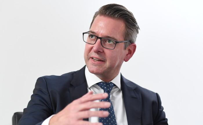 Juergen Fritzen ist einer der drei Geschäftsführer von Crossflow Financial Advisors.
