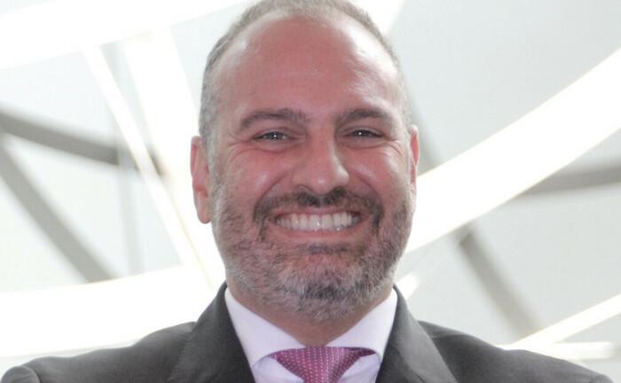 Arasch Charifi, zuletzt Leiter Investmentberater im Wealth Management der Deutschen Bank: Nun wechselt er zunächst in die Position Generalbevollmächtigter zur DZ Privatbank, um ab 2021 die Leitung des Private Wealth Management zu übernehmen.