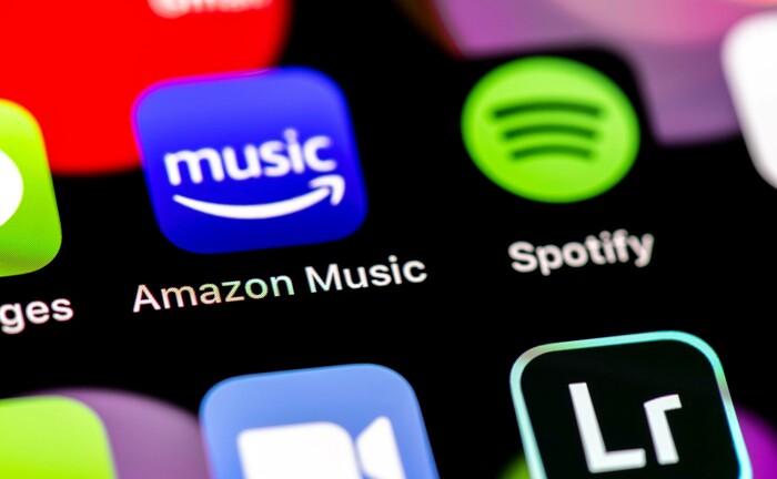 Icons auf einem Bildschirm: Die Fondsmanager des Lazard Global Thematic Focus investieren in Digitalisierung.