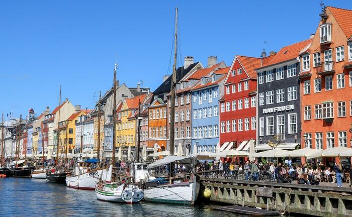 "Nyhavn (deutsch: ""neuer Hafen"") in Kopenhagen"