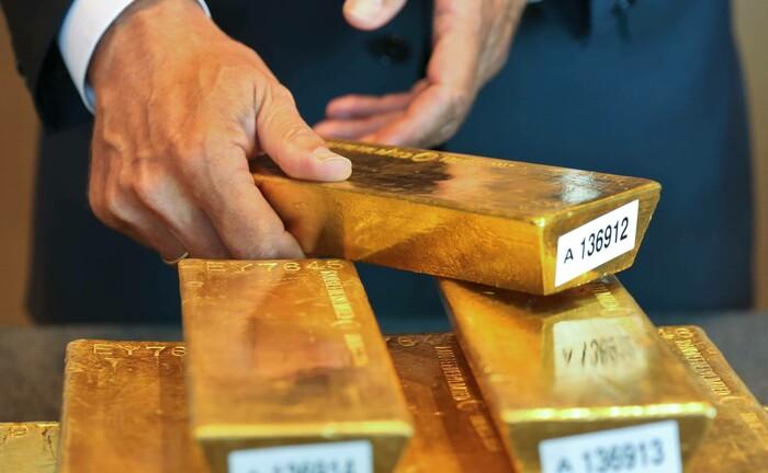 Zehn Goldbarren im Wert von 6,5 Millionen Euro