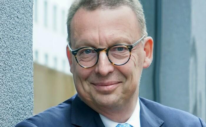 Begleitet ausländische Asset Manager bei ihrer Expansion in Deutschland
