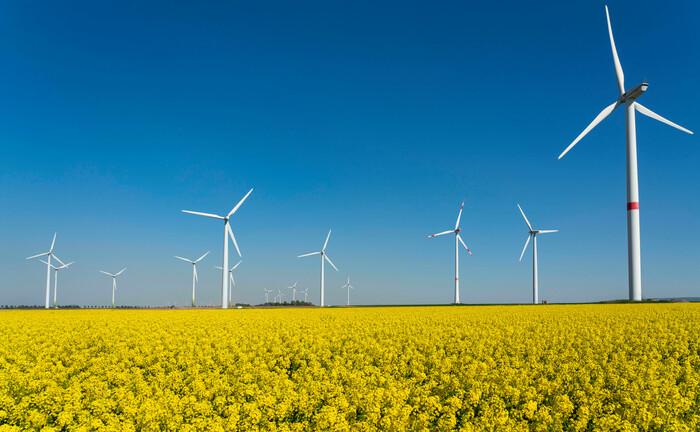 Windkraftanlagen in Heinsberg: Commerz Real hat bislang neun Windparks in Deutschland und Schweden erworben.|© imago images / Jochen Tack