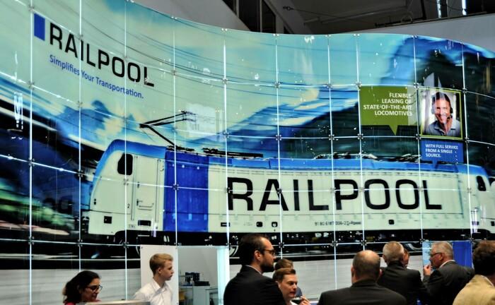 Messestand von Railpool während der Fachmesse für Logistik 2019 in München: Das Versorgungswerk ÄVWL hat sich an Railpool beteiligt. |© imago images / Manfred Segerer