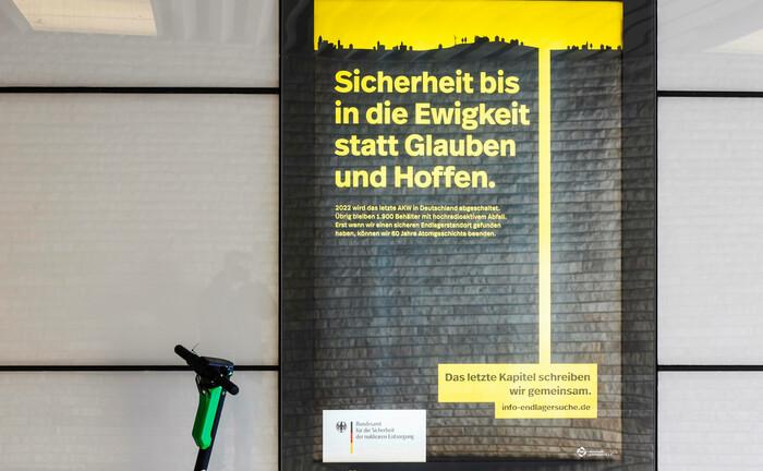 Aktuelle Plakataktion des Bundesamts für die Sicherheit der nuklearen Entsorgung