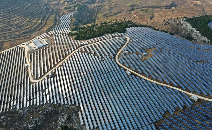 Riesiger Solarpark im Osten Chinas: Einer der neuen LGIM-ETFs legt den Fokus auf die Volksrepublik.|© imago images / VCG