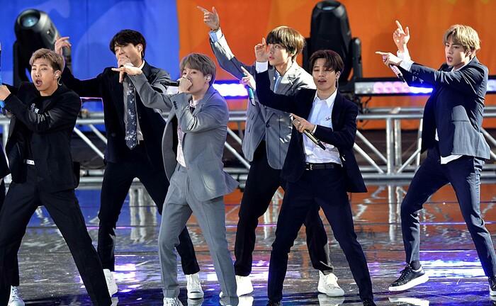 K-Pop-Band BTS in New York: Die Band hat virtuell vor 750.000 Fans gespielt und dabei etwa 20 Millionen US-Dollar eingenommen. |© imago images / ZUMA Press