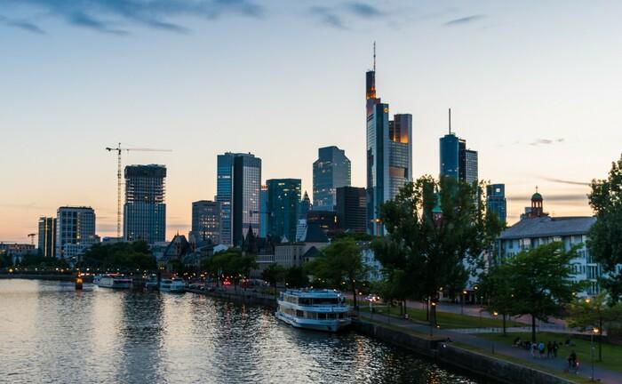 Frankfurter Skyline zur Abendstunde