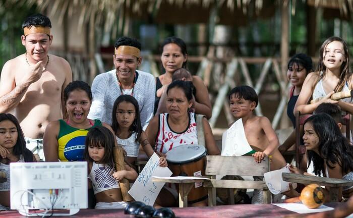 Urwaldschule im bedrohten brasilianischen Amazonas-Gebiet